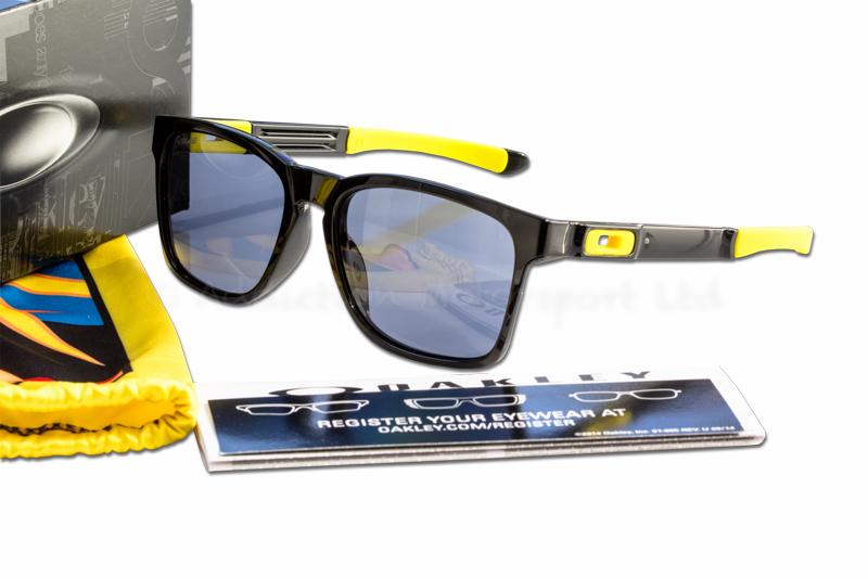 5c6cb792b0 OAKLEY Catalyst Valentino Rossi VR46 Signature Sunglasses Polished Black  0O9272-17