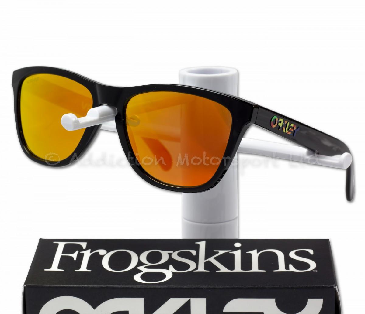 f8e48e8a7d6e0 OAKLEY Frogskins Valentino Rossi VR46 Signature Prizm Sunglasses New 2018  Design OO9013-E655